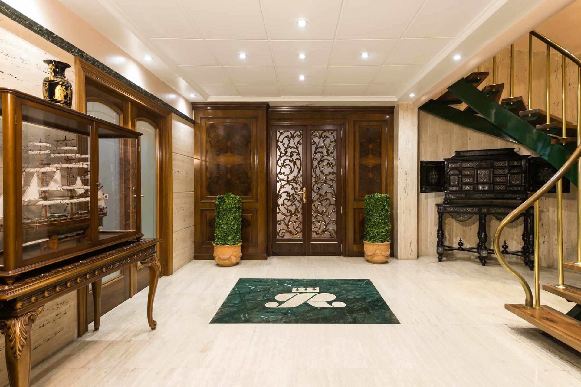 luxury doors pico furniture